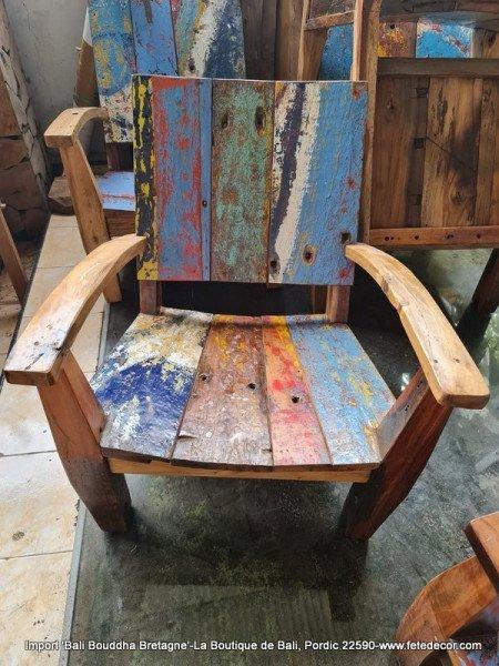 Un salon de jardin élégant : utilisation de mobilier en teck